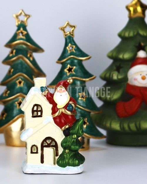 Dapitan Tiangge Santas Climbing on a Roof Christmas Decor